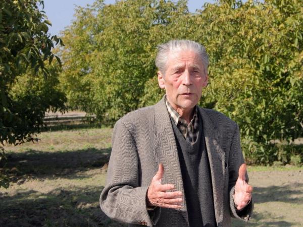 Elhunyt Dr. Szentiványi Péter diónemesítő